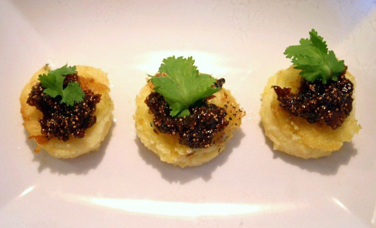 Fig Bloghop: Polenta bouchees with Fig balsamic jam