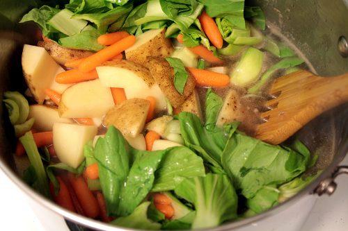 Maraq Fahfah cooking