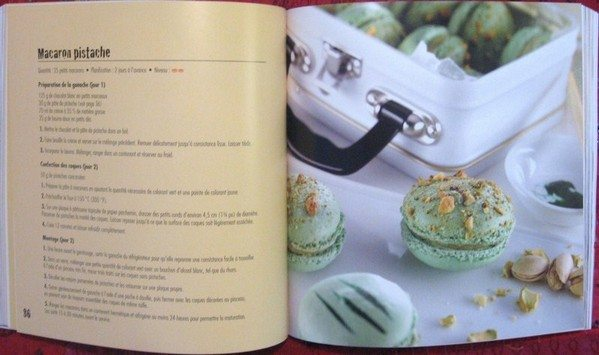 A cookbook review macaron so the book is all pretty and shiny and mouth watering but is it a good recipe book what better way to test it then to complete a recipe forumfinder Images