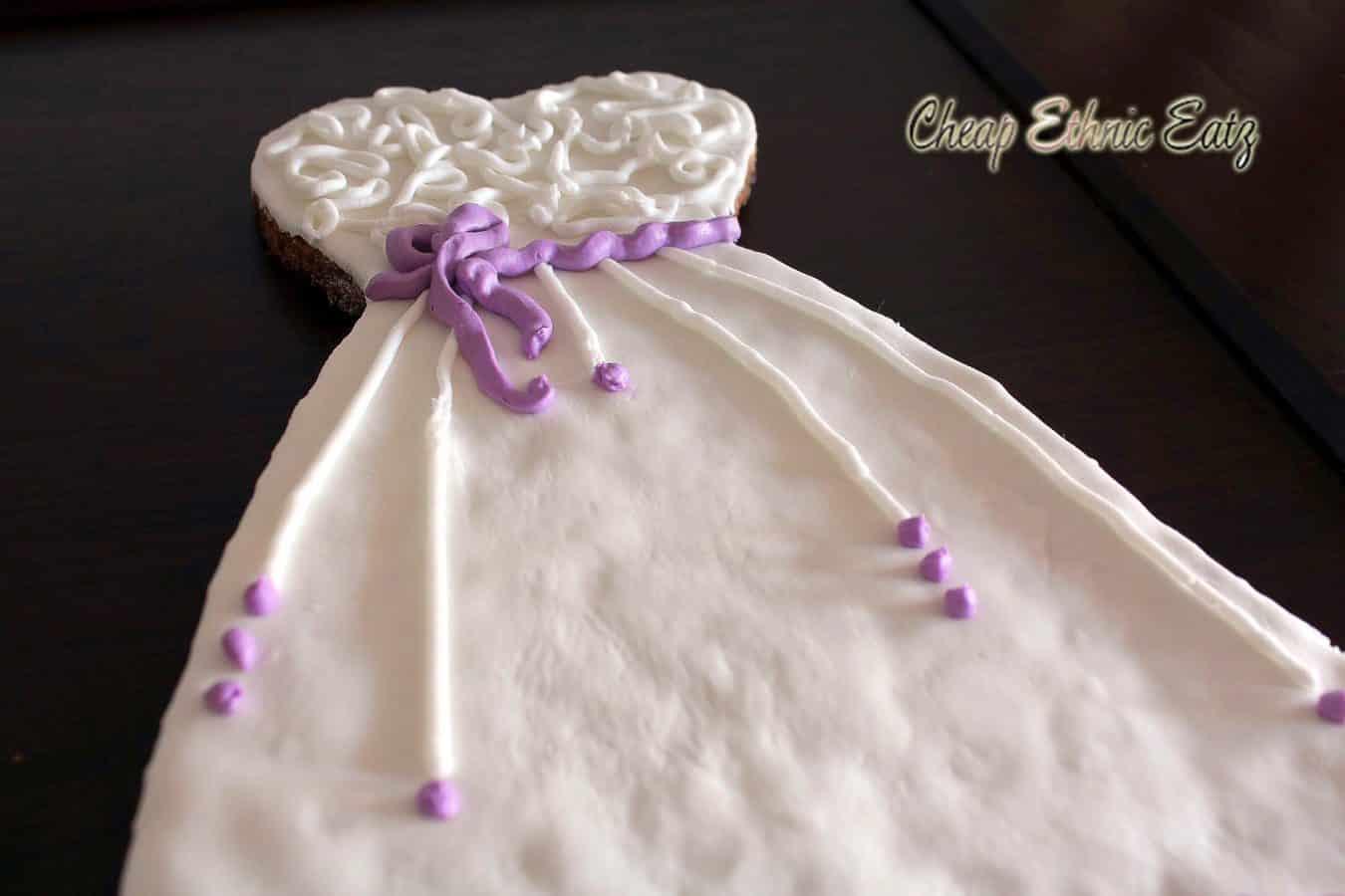 Wedding dress cookie 08