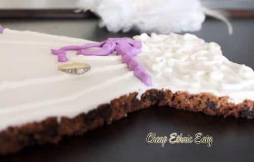 Wedding dress cookie 15