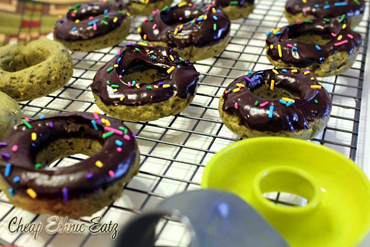 Matcha mini donuts