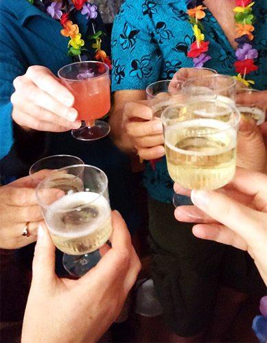 2016 bubbly toast