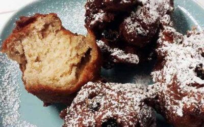 Traditional Dutch Food for New Year's Eve | Oliebollen the Dutch Doughnut