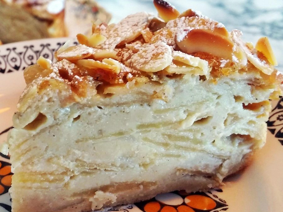 Invisible Apple Cake – Now You See Them, Now You Don't!