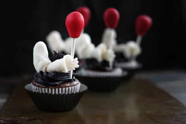 Clown cupcakes inspired by the IT movie