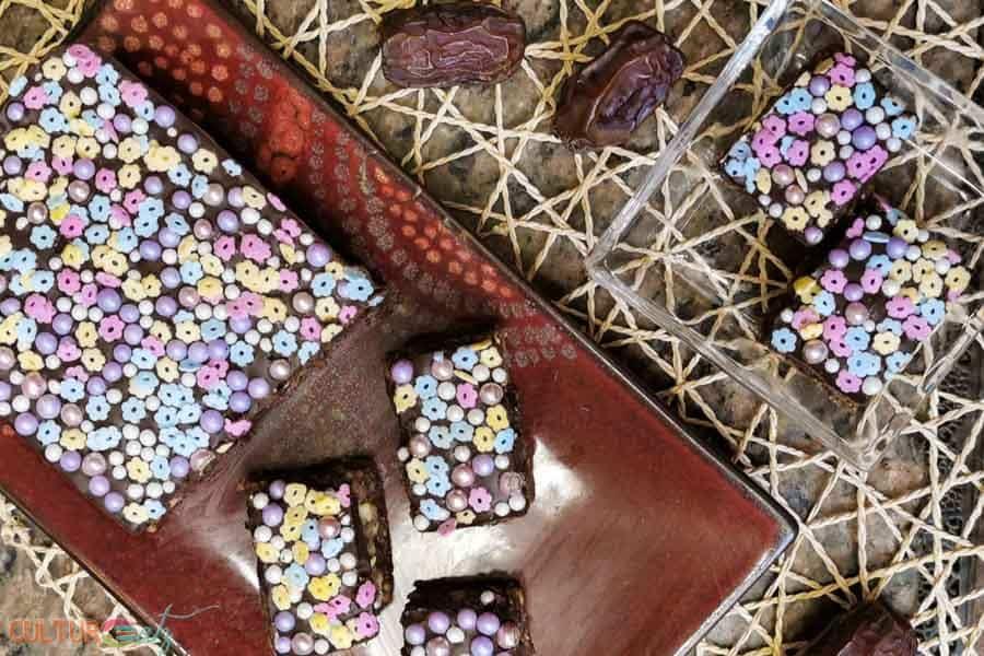 How to make Dark Chocolate and Date Nut Bars