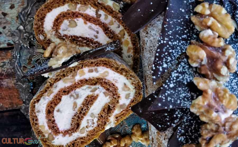 Pumpkin roll cake slices