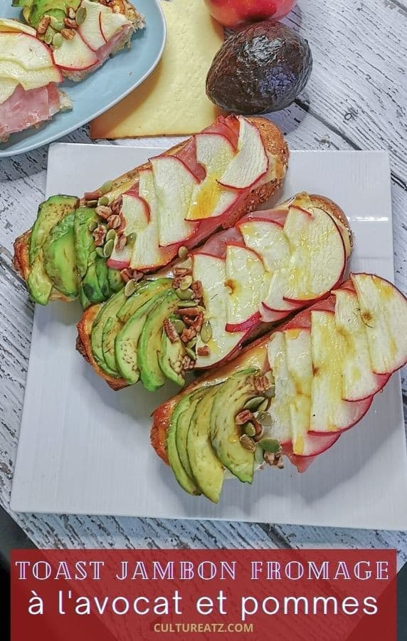 Sandwich ouvert au jambon, fromage à l'avocat et aux pommes